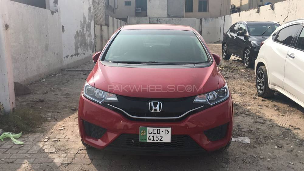 Honda Fit Hybrid 2015 Image-1