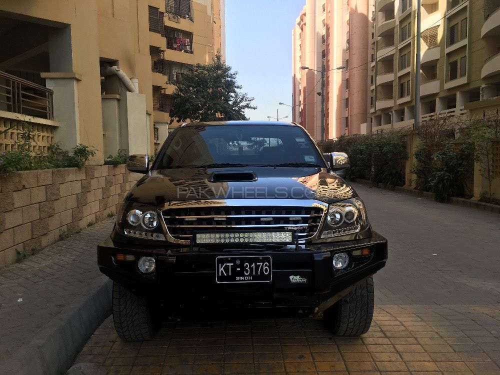 Toyota Hilux 2010 Image-1