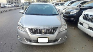 Toyota Premio F 1.5 2013 for Sale in Karachi