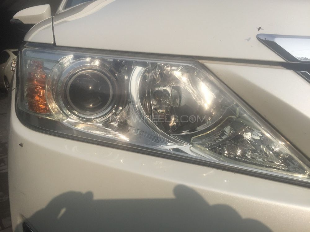 Toyota Camry 2012 Image-1