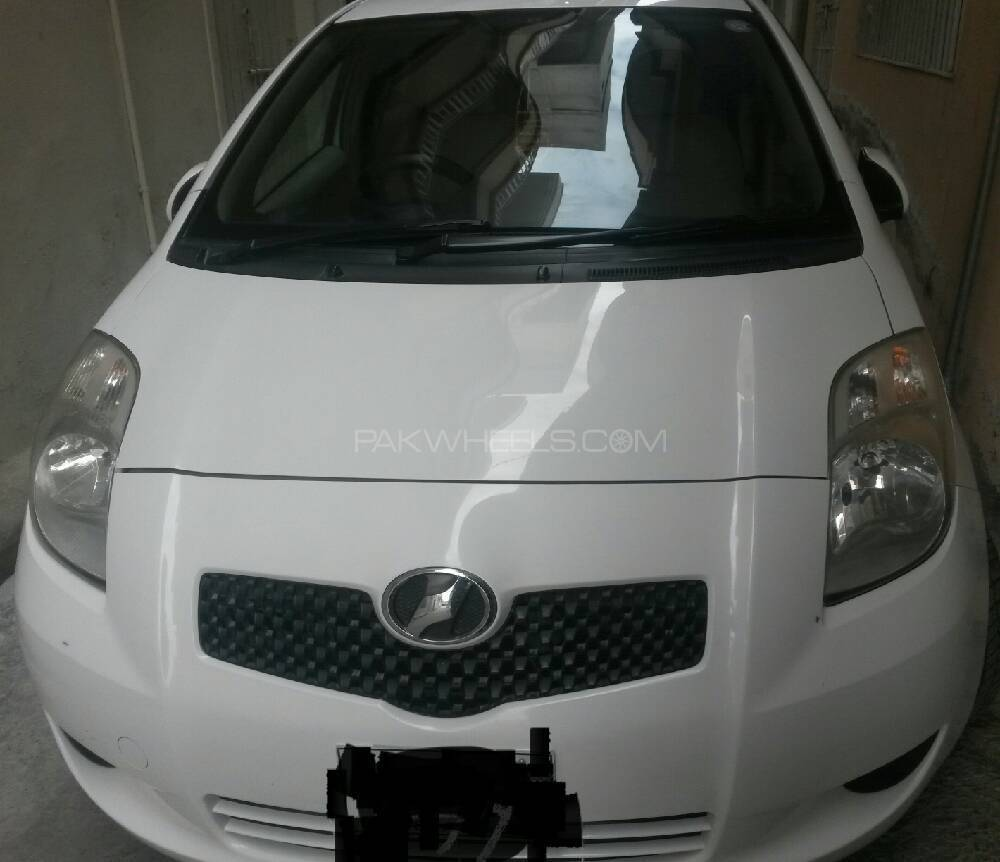 Toyota Vitz B Intelligent Package 1.0 2007 Image-1