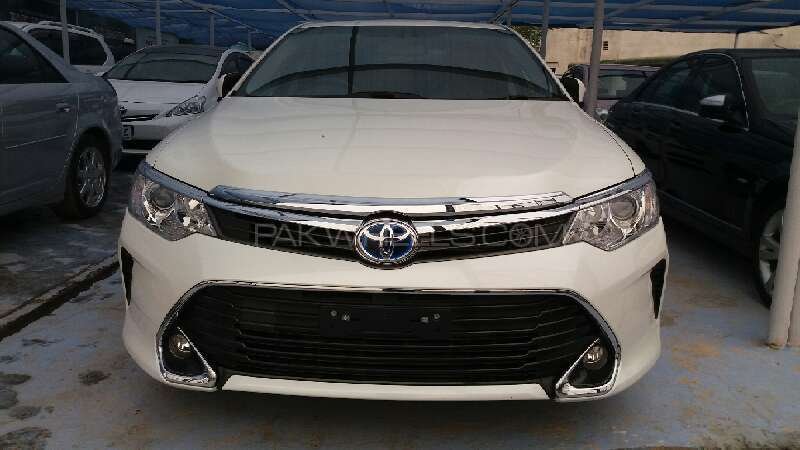 toyota camry hybrid 2014 for sale in islamabad pakwheels. Black Bedroom Furniture Sets. Home Design Ideas