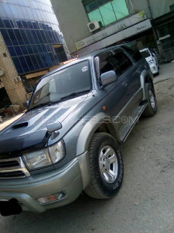 Toyota Hilux 1998 Image-1
