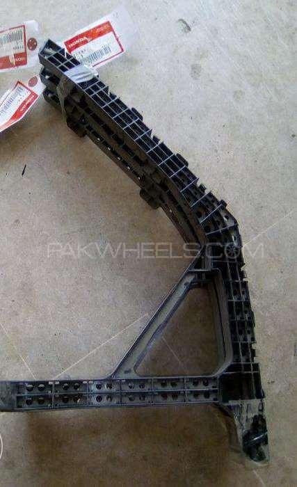 Honda insight rear bumper spacer Image-1
