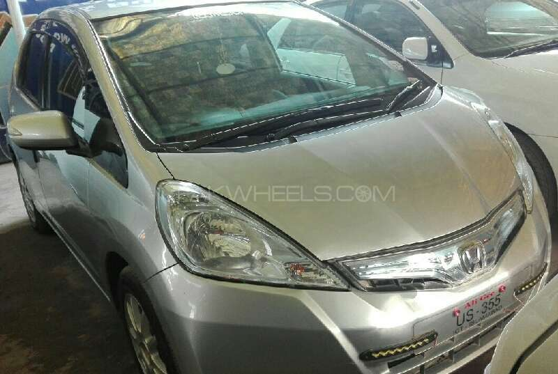 Honda Fit Hybrid Base Grade 1.3 2012 Image-1