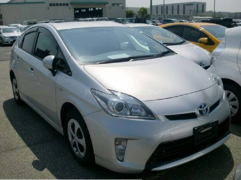 toyota prius g 1 8 2013 for sale in islamabad pakwheels. Black Bedroom Furniture Sets. Home Design Ideas