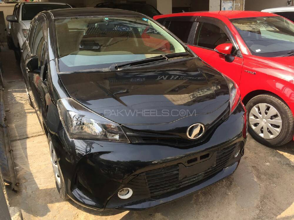Toyota Vitz F Intelligent Package 1.0 2014 Image-1