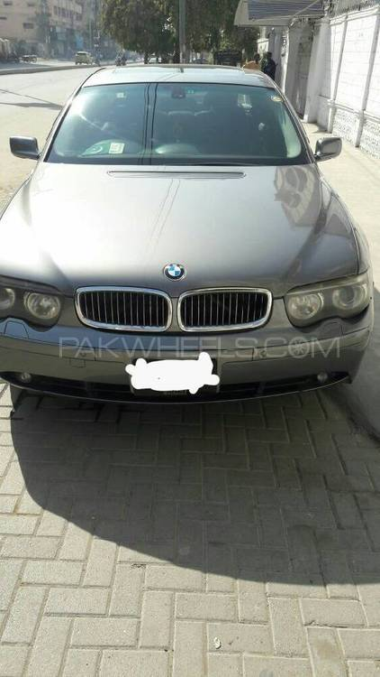 BMW 7 Series 745Li 2002 Image-1