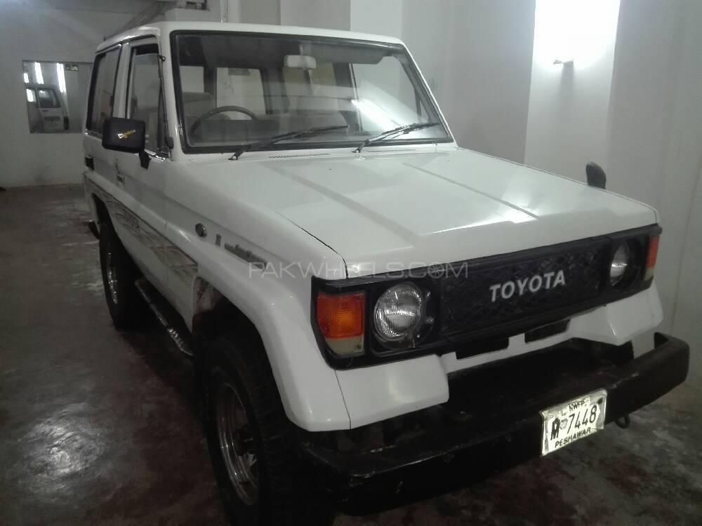 Toyota Prado RX 2.7 (3-Door) 1988 Image-1