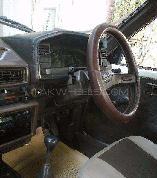 Toyota Sprinter 1986 Image-1