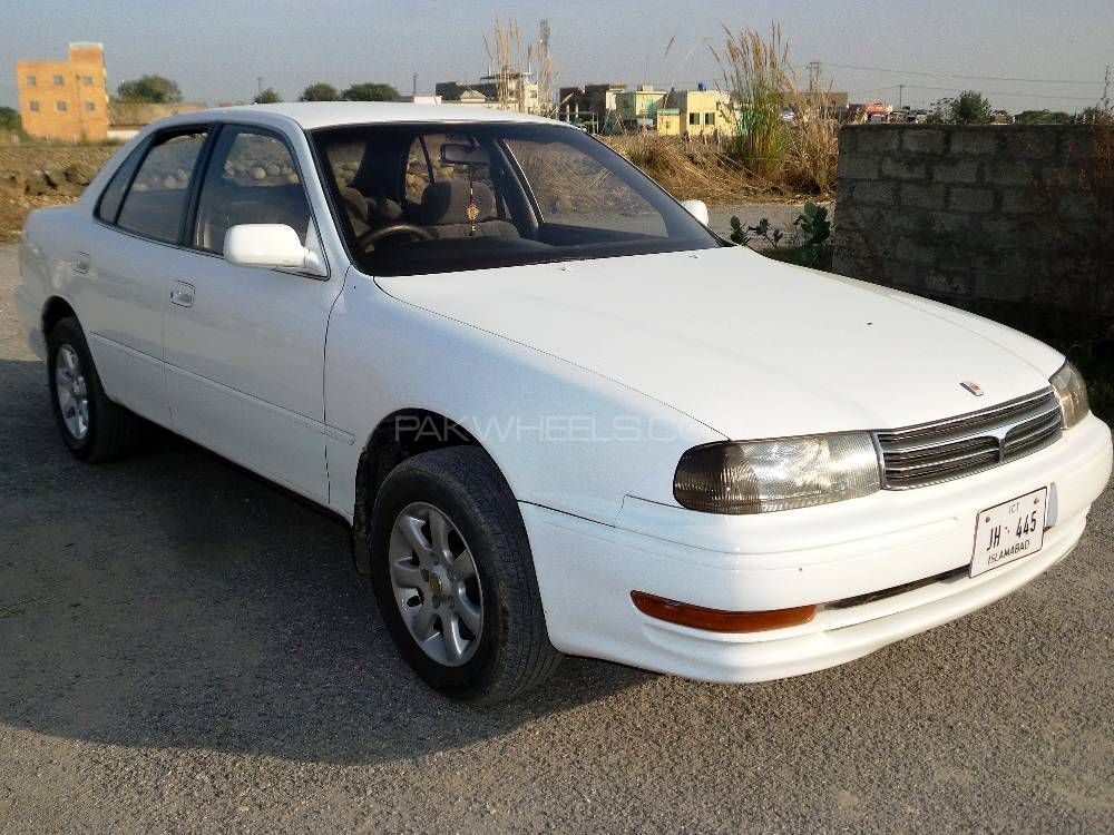 Toyota Camry 1993 Image-1