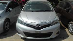 Slide_toyota-vitz-1-0-f-limited-2013-14091970