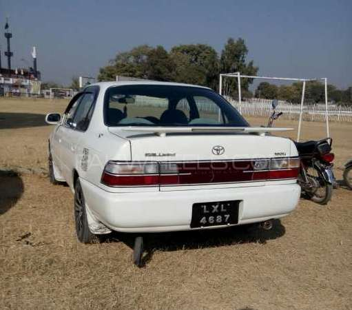 Toyota Corolla GL 1999 Image-1