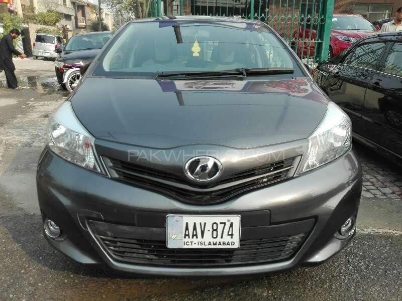 Toyota Vitz 2013 Image-1