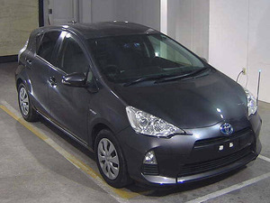 Toyota Aqua S 2013 for Sale in Karachi