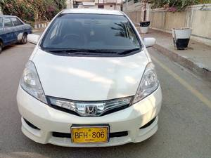 Slide_honda-fit-hybrid-rs-2-2012-14140255