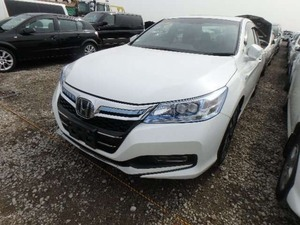 Slide_honda-accord-hybrid-5-2013-14154101