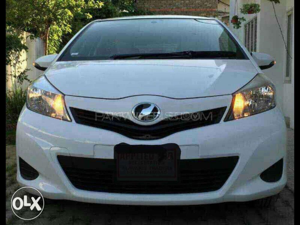 Toyota Vitz F Limited II 1.0 2013 Image-1
