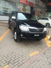Toyota Hilux 2015 for Sale in Peshawar