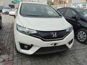 Honda Fit Hybrid 2013 for Sale in Lahore