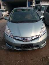 Slide_honda-fit-hybrid-navi-premium-selection-2012-14210638