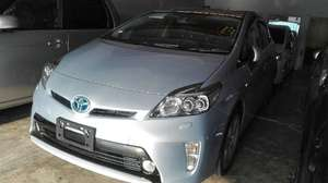 Toyota Prius G Touring Selection Leather Package 1.8 2013 for Sale in Lahore