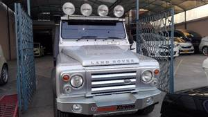 Slide_land-rover-defender-90-2013-14357155