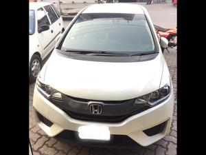 Honda Fit Hybrid S Package 2014 for Sale in Gujranwala