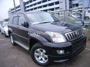 TOYOTA PRADO ,  2007 FRESH  ,,  TX LIMITED ,  FULL OPTION  2700CC , just like new  can see at Liberty Automobiles   FOR MORE DETAILS CONTACT