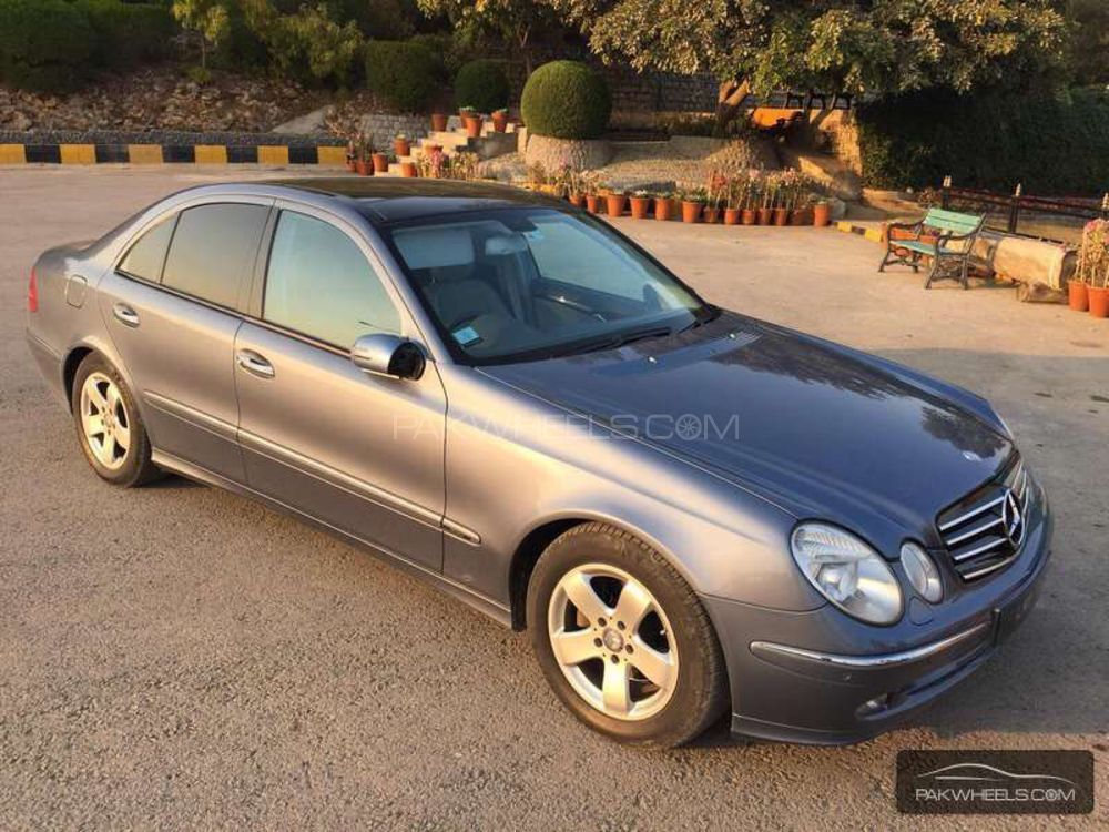 mercedes benz e class e200 2004 for sale in islamabad pakwheels. Black Bedroom Furniture Sets. Home Design Ideas