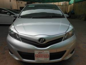 Toyota Vitz F 1.0 2013 for Sale in Lahore