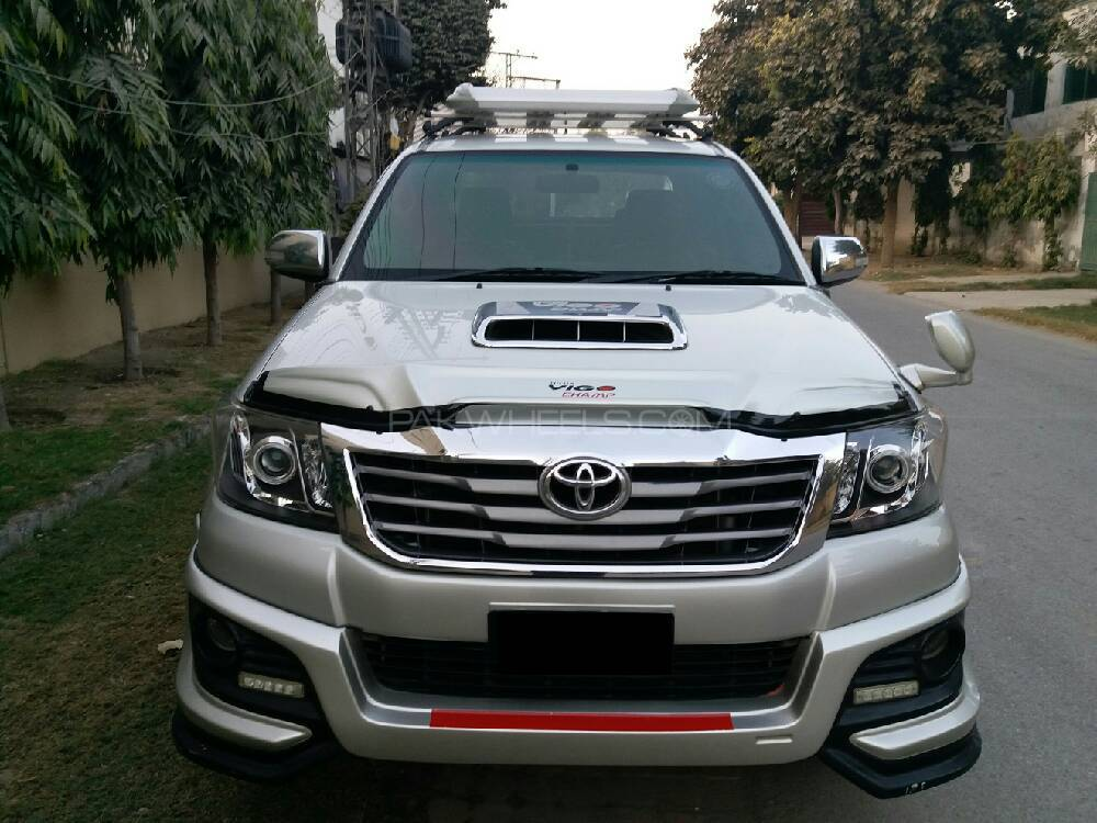 toyota hilux vigo g 2012 for sale in lahore pakwheels. Black Bedroom Furniture Sets. Home Design Ideas