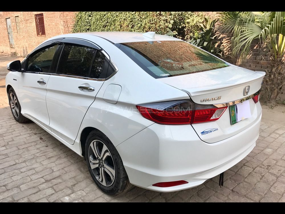 Honda grace hybrid lx 2014 for sale in lahore pakwheels for Honda hybrid cars