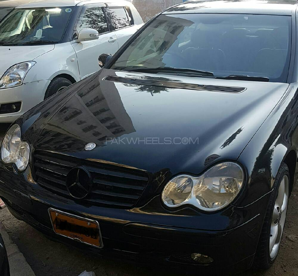 mercedes benz c class c220 cdi 2001 for sale in karachi pakwheels. Black Bedroom Furniture Sets. Home Design Ideas