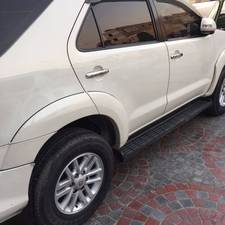 Slide_toyota-fortuner-2-7-automatic-2013-14741352