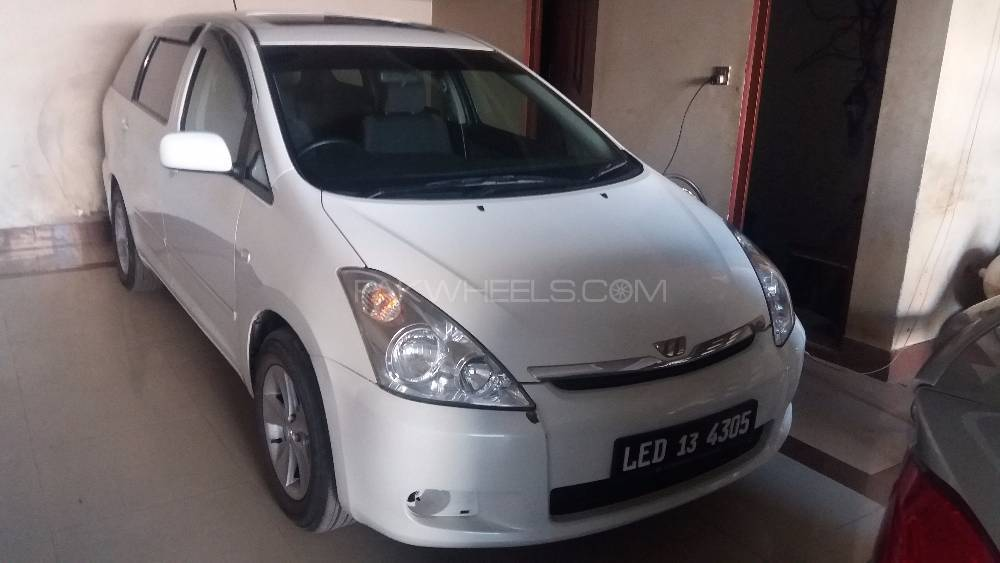 Toyota Wish 1.8 X Aero Sports Package Limited 2004 Image-1