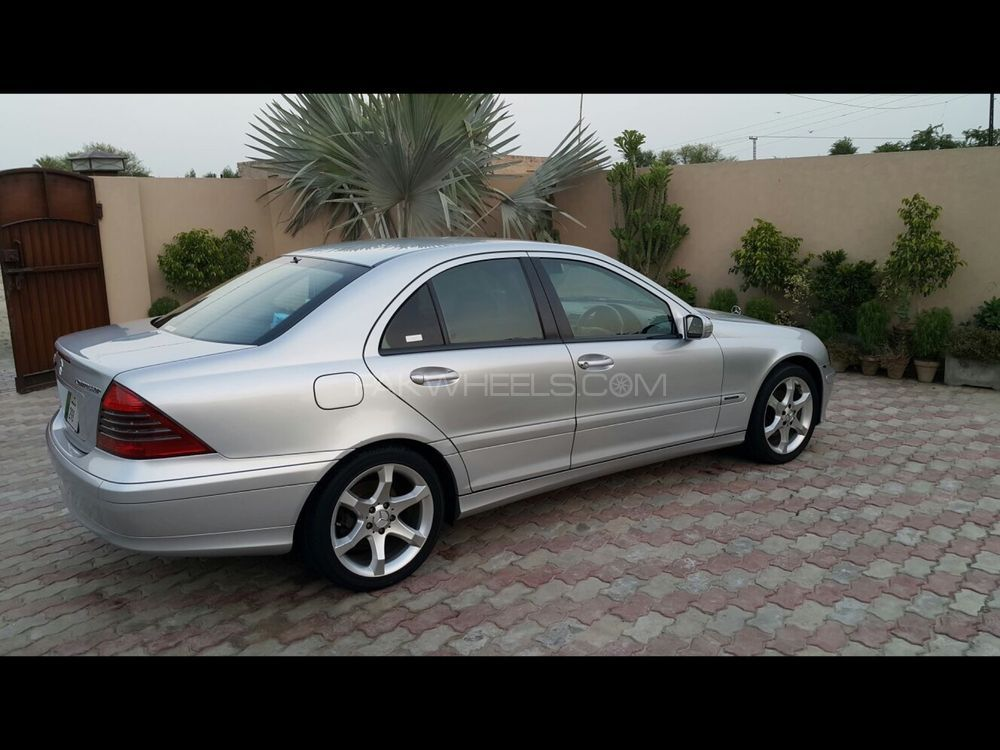 mercedes benz c class c180 2005 for sale in lahore pakwheels. Black Bedroom Furniture Sets. Home Design Ideas