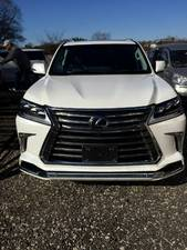 Slide_lexus-lx-series-lx570-2016-15137692