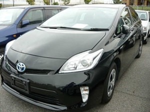 Slide_toyota-prius-s-touring-selection-gs-1-8-2013-15198356