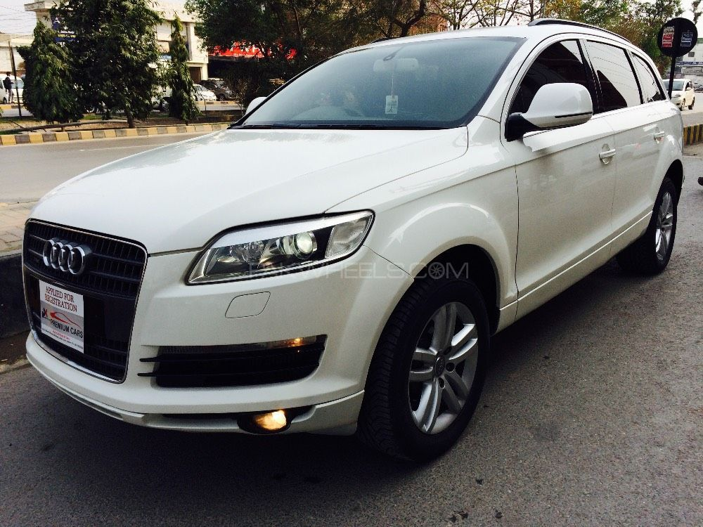 audi q7 3 0 tdi 2008 for sale in lahore pakwheels. Black Bedroom Furniture Sets. Home Design Ideas