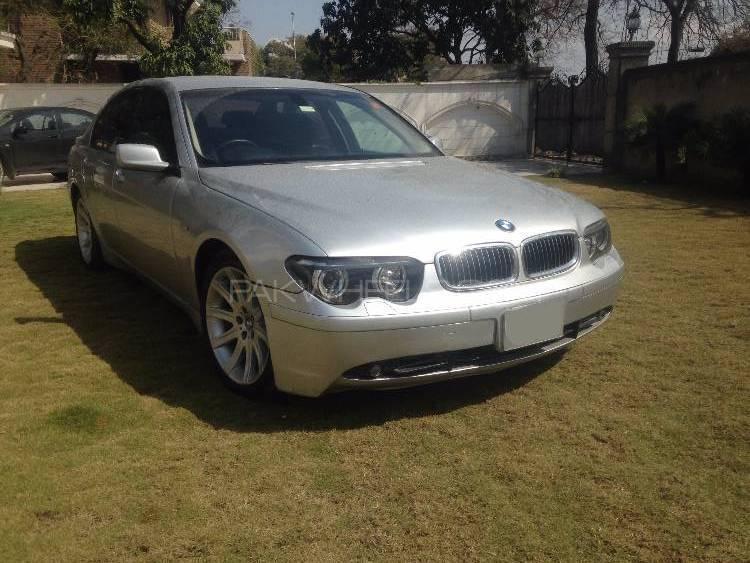 BMW 7 Series 2003 Image-1