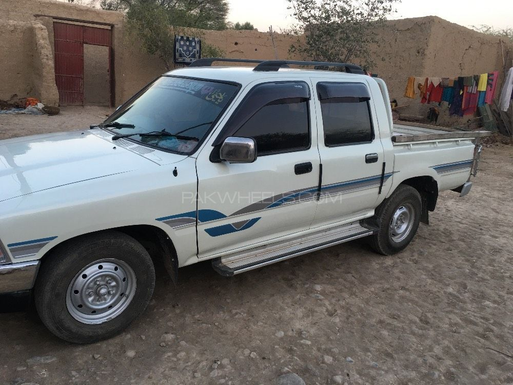 toyota hilux 1992 for sale in peshawar pakwheels. Black Bedroom Furniture Sets. Home Design Ideas