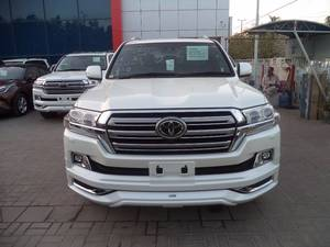Slide_toyota-land-cruiser-zx-2-2015-15717544