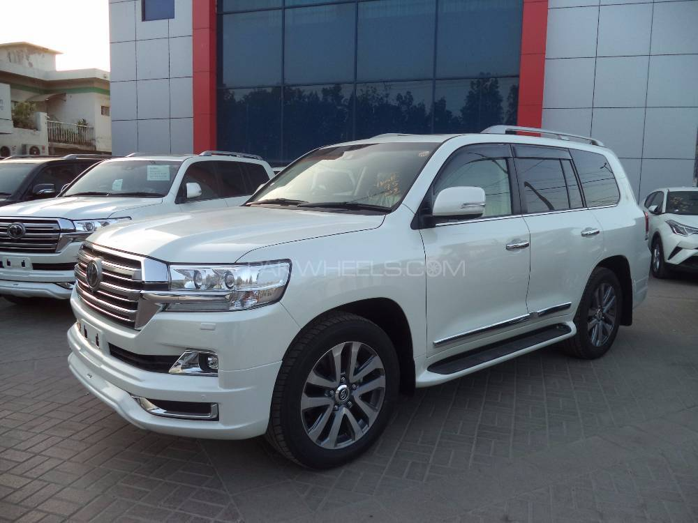 radio control petrol cars with Toyota Land Cruiser 2017 For Sale In Karachi 2058698 on 3749115 in addition Toyota Land Cruiser 2017 For Sale In Karachi 2058698 besides 2524650 additionally Jaguar Xk Xk Portfolio In Wirral 6139866 furthermore Marea weekend hlx 2 0 20v 1998.