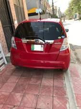 Slide_honda-fit-hybrid-smart-selection-2011-15878292