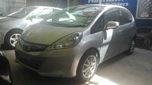 Slide_honda-fit-hybrid-base-grade-1-3-2012-16014845