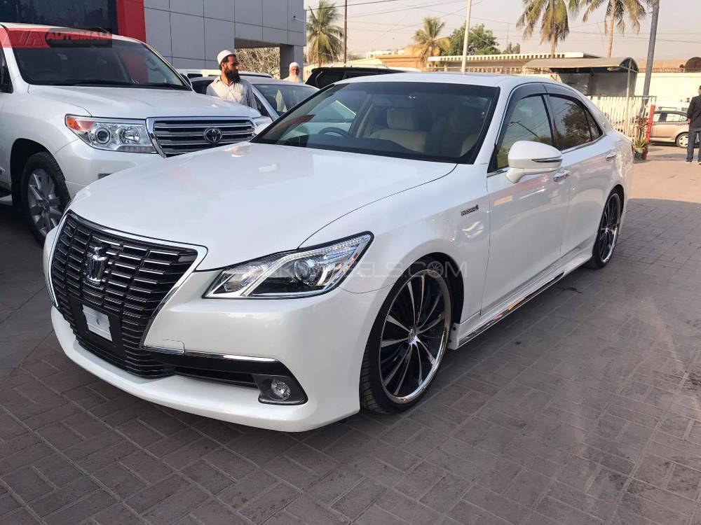 Japanese Import Car Insurance Online Quote >> Toyota Crown Royal Saloon 2014 for sale in Karachi | PakWheels
