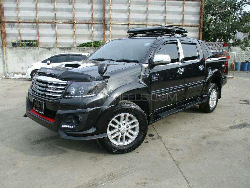 Toyota Hilux Vigo Champ G 2014 for sale in Karachi | PakWheels