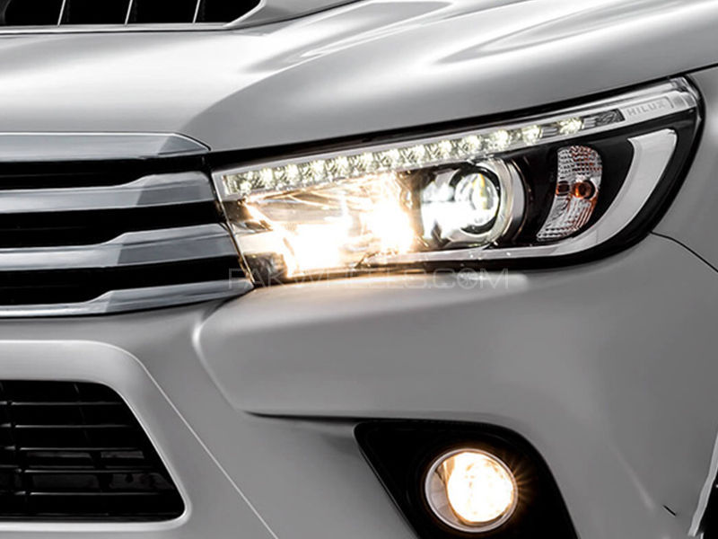 how to make 2004 toyota hilux headlights stay on