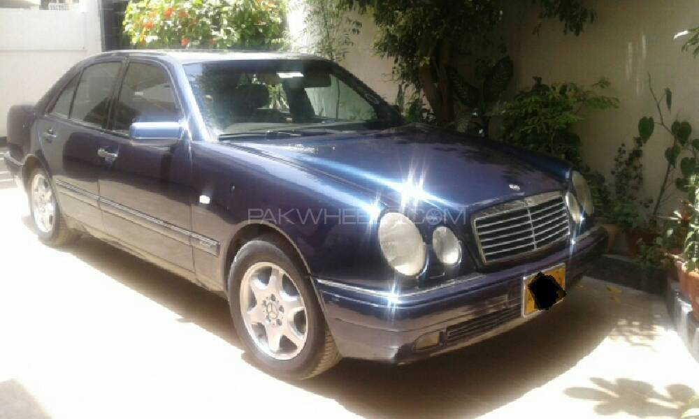 Mercedes Benz E Class E230 1996 Image-1
